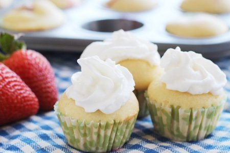 Easy Strawberry Shortcake Cupcakes