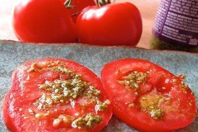 Tomato Pesto Snack